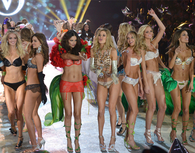 victoria_secret_fashion_show2012